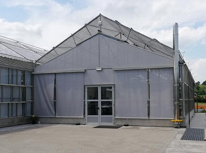 gable type wide span greenhouse